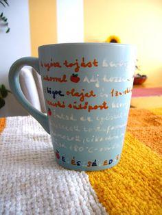 DIY gift idea:  favorite recipe on the mug + cake. It's simple: Mug+Porcelan marker+recipe