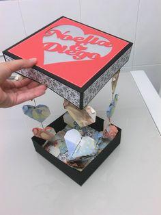 Caja para dar dinero en una boda de forma original. Corazones con billetes