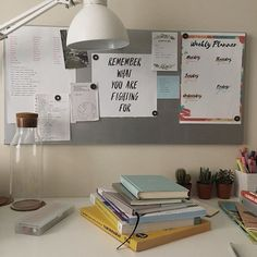 Desk Organization College Apartment 70 Ideas For 2019 Do It Yourself Organization, College Organization, Study Table Organization, Study Areas, Study Space, Deco Tumblr, Study Corner, Study Room Decor, Bedroom Decor