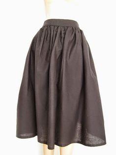 DIY-Easy Gathered Midi Skirt Pattern. http://sewing4free.com/easy-gathered-midi-skirt-pattern/