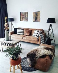 Having small living room can be one of all your problem about decoration home. To solve that, you will create the illusion of a larger space and painting your small living room with bright colors c… My Living Room, Apartment Living, Home And Living, Living Spaces, Modern Living, Minimalist Living, Minimalist Decor, Cozy Apartment, Living Room Without Rug