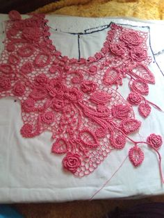 Irish Crochet Tutorial, Crochet Flower Tutorial, Crochet Motif Patterns, Crochet Stitches, Freeform Crochet, Crochet Lace, Crochet Shirt, Irish Lace, Lace Making
