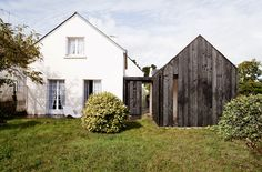 Maison en bois brûlé, Vannes, by NeM architectes