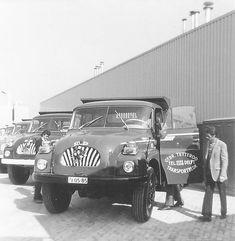 T 138's 2 x van gebr. Tetteroo op de opning bij importeur voor NL, Praneda in Papendrecht.