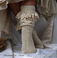 Купить Комплект: носки высокие (гольфы, чулки) и манжеты. Ручная работа. Бохо - носки высокие Frilly Socks, Lace Socks, Tunisian Crochet, Knit Crochet, Knitting Socks, Hand Knitting, Best Baby Socks, Craft Patterns, Knitting Patterns