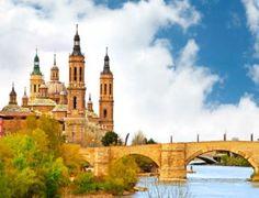 Disfruta de una escapada gastronómica en las tierras bañadas por el río Ebro: 1 noche en pareja en el Hotel Restaurante Cubero, desayuno, cena y late check out