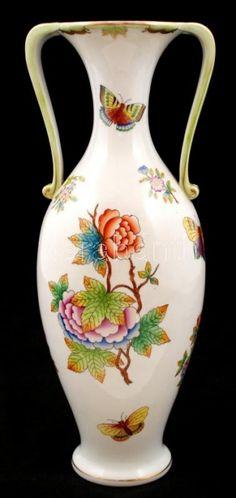 Műtárgy.com | antik, kortárs, régiség | Herendi Viktória mintás díszváza, kézzel festett, jelzett, kopott aranyozás, m:33 cm