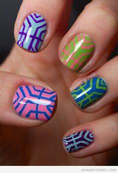 Diseño uñas modernismo