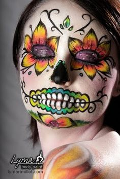 Simple face painting designs are not hard. Many people think that in order to have a great face painting creation, they have to use complex designs, rather then Maquillaje Sugar Skull, Maquillaje Halloween, Day Of Dead Makeup, Day Of The Dead Makeup Half Face, Halloween Make Up, Halloween Face Makeup, Halloween Costumes, Halloween 2013, Makeup Ideas
