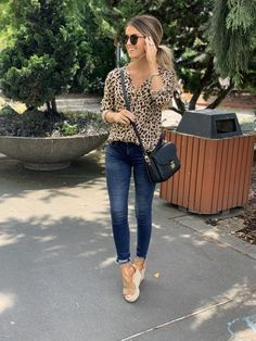 My jeans are off & my new leopard button up! Linking all things denim & animal print that are part of the sale! // I'm making final… Fashion 2020, Love Fashion, Trendy Fashion, Autumn Fashion, Womens Fashion, Fashion Vintage, Fall Outfits, Cute Outfits, Fashion Outfits