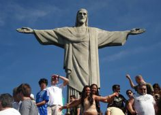 Tourists Must Visit: Christ the Redeemer