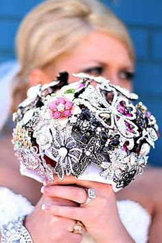I want a bling bouquet!!!!