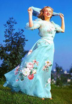 Vintage Scarlett Rose