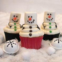 Sneeuwpop cupcake van marsmallows