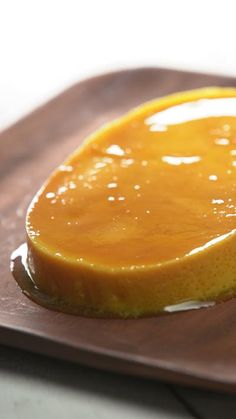 Leche Flan (Creme Caramel) – Tastemade – Leche Flan (Creme Caramel) If yo… Leche Flan (Creme Caramel) – Tastemade – Leche Flan (Creme Caramel) If you love crème brûlée, you'll love this rich and creamy Filipino dessert that uses just 5 ingredients! Pinoy Dessert, Filipino Desserts, Filipino Recipes, Filipino Food, Mexican Desserts, Caramel Flan, Caramel Recipes, Cuban Recipes, Desert Recipes