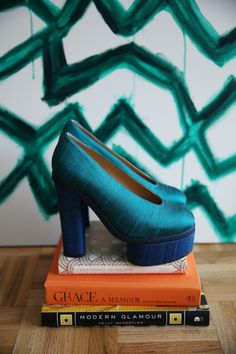 Charming silk shoes in deep inky blue and aqua