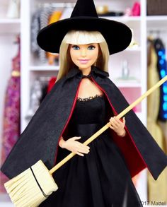 Happy I love nothing more than dressing up in new and different looks. I've narrowed it down to these classic costumes, do you have a fave? Barbie Life, Barbie World, Barbie And Ken, Barbie Dress, Barbie Clothes, Dress Up, Barbie Halloween, Halloween Kostüm, Natalia Vodianova