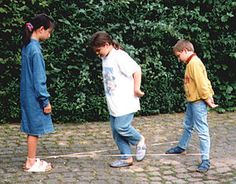 Who remembers Chinese jump rope? We used to play this at recess. Childhood Games, My Childhood Memories, Best Memories, Chinese Jump Rope, Playground Games, Funny Pictures With Captions, Sem Internet, Getting Bored, The Good Old Days