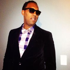 #Ray-Ban shades, #HandM Suede Black Blazer #KennethColeReaction Plaid Shirt