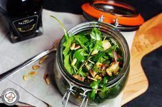 Rucolasalat mit getrockneten Tomaten und Aprikosen #Aceto, #Aprikosen, #Mozzarella, #Rucola, #Salat, #Trockenobst #foodblog #foodie #food #rezept #foodblog_de #foodpics #rezepte http://gernekochen.com/rucolasalat-mit-getrockneten-tomaten-und-aprikosen/