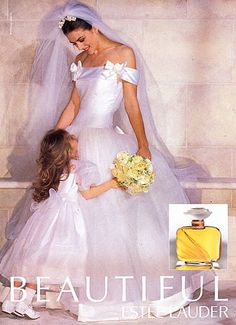 In 11 years after the launch of Beautiful, Elizabeth Hurley appeared as a bride — as all of the Beautiful models do. Elizabeth Hurley, Wedding Pics, Wedding Gowns, Wedding Fayre, Wedding Ideas, Style Année 80, Estee Lauder Beautiful, Beautiful Perfume, Vera Wang Wedding