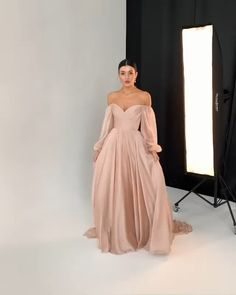 Cute Prom Dresses, Pretty Dresses, Bridesmaid Dresses, Formal Dresses, Dress Outfits, Fashion Dresses, Cute Outfits, Slit Wedding Dress, Wedding Dresses