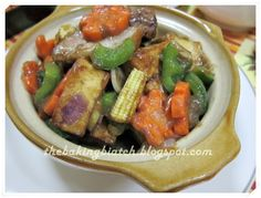 The Baking Biatch || by Cynthia Lim: Happy Call Pan Claypot Tofu with Roasted Pork