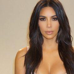 "Stunning!! Flawless makeup by @makeupbyariel on @kimkardashian using @LillyLashes in style ""Goddess"" ✨ #GhalichiGlam #LillyLashes"