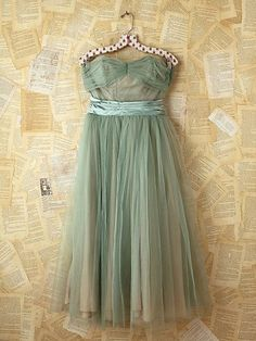 Vintage Green Tulle Dress. Soooo cute, color, style, it's perfect and I wish it was hanging in my closet.