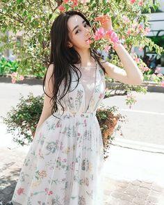 DILRABA DILMURAT  #Dilireba #迪丽热巴 #dilrabadilmurat #dilraba #rebaidn #chineseactress Cute Japanese Girl, Female Actresses, Chinese Actress, Edgy Outfits, Beautiful Asian Girls, Beautiful Eyes, Beautiful Women, Ulzzang Girl, Luhan