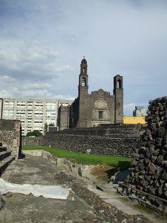 La plaza de las 3 culturas.