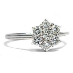 Snegurotschkas liebster Ring - Lupenreiner Brillant-Ring mit 0,84 ct Diamanten, um 1960 von Hofer Antikschmuck aus Berlin // #hoferantikschmuck #antik #schmuck #antique #jewellery #jewelry