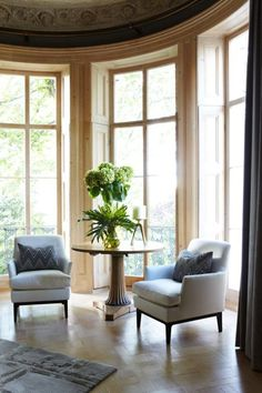 Drawing room bay window in West London Townhouse by Peter Mikic Interiors on Famous Interior Designers, Luxury Interior Design, Best Interior, Eclectic Living Room, Home Living Room, New Furniture, Luxury Furniture, London Townhouse, Room London