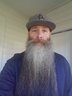 Visit Ratemybeard.se and check out Pimpdaddymike2 - http://ratemybeard.se/pimpdaddymike2-2/ - support #heartbeard - Don't forget to vote, comment and please share this with your friends.