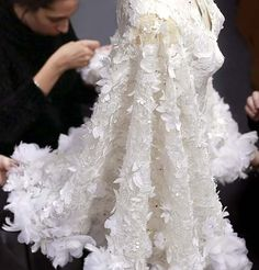 Fine details behind the scenes at Ralph & Russo - Haute Couture - Spring 2016