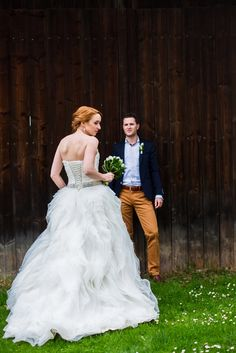 Spring #wedding couple in a countryside