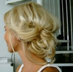 Discovered by Ashlyn. Find images and videos about hair, beauty and blonde on We Heart It - the app to get lost in what you love. My Hairstyle, Messy Hairstyles, Pretty Hairstyles, Wedding Hairstyles, Wedding Updo, Quinceanera Hairstyles, Hairstyle Ideas, Romantic Hairstyles, Fashion Hairstyles