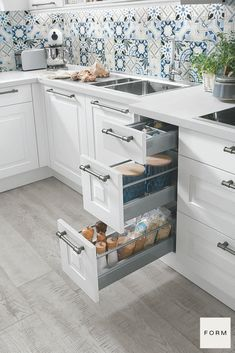 Need some inspiration for your German style kitchen remodel design? Check out these sleek, refined, strong and timeless European kitchen designs to get started! #EuropeanKitchenDesign #HiddenKitchenCabinetDrawer #ModernKitchenDesignInspiration #VirtualKitchenVisualizer Kitchen Backsplash Inspiration, Modern Kitchen Backsplash, Modern Kitchen Cabinets, Modern Kitchen Design, Kitchen Layout, Interior Design Kitchen, European Kitchens, German Kitchen, Hidden Kitchen