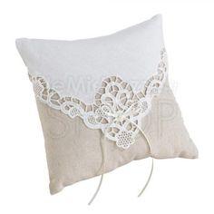 Bellissimo cuscino #portafedi ideale per #matrimoni dallo stile retrò!
