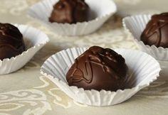 Diós kekszgolyók Macaron, Pudding, Sweets, Baking, Recipes, Balls, Dios, Candy, Gummi Candy