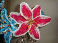 Dony's Creations   by Donatella Saralli : Lillium 3 colori _  Pattern free by Francesca Iser...