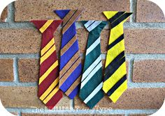 Harry Potter Costumes The Brilliant Crafty Type: Felt Hogwarts' Ties {Tutorial} Harry Potter Hermione, Fantasia Harry Potter, Cumpleaños Harry Potter, Harry Potter Cosplay, Harry Potter Characters, Harry Potter Halloween, Harry Potter Birthday, Harry Potter Baby Shower, Hogwarts