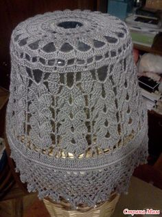 Crochet Lamp, Lampshade Chandelier, Diy And Crafts, Arts And Crafts, Crochet Diagram, Lamp Shades, Cherub, Doilies, Lamp Light