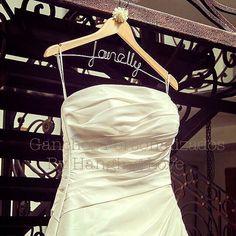 Bride Hanging Love, cuelga tu vestido de novia de un Hanging Love, disponibles para toda la República Mexicana
