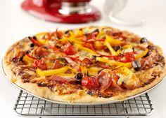 A simple and delicious recipe for homemade gourmet pizza. This easy pizza dough recipe is sure to be a family favourite. Gourmet Pizza Recipes, Kitchen Aid Recipes, Sandwich Recipes, Stand Mixer Recipes, Kitchen Maid, Easy Pizza Dough, Favourite Pizza, Pizza Hut, Kfc