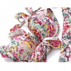 $18.81 Charming Three Piece Suit Tiny Floral Printed Halterneck Push Up Triangle Bra Bikini Set For Women