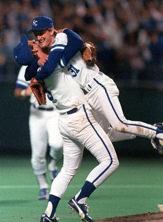 George Brett and Bret Saberhagen celebrate the Royals' 1985 World Series title.