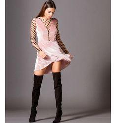 4f1f55f78c8f Βελούδινο Κοντό Κλος Φόρεμα με Τούλι Πουά Ντεκολτέ - Μake up Φωτογραφία  Μόδας