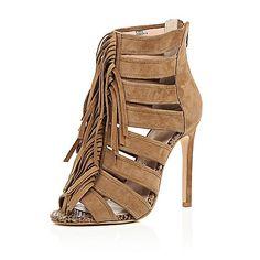 Chaussures à talons et franges en daim marron