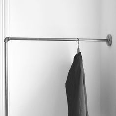 Kleiderstange Für Die Wand kleiderstange einfach an der wand befestigt clothes rail wall